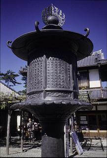 南円堂  灯籠 興福寺 (3).jpg