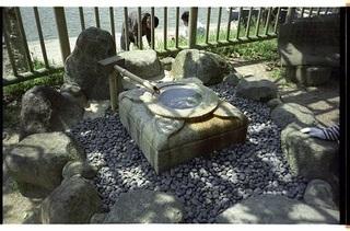 奈良公園 水琴窟.jpg